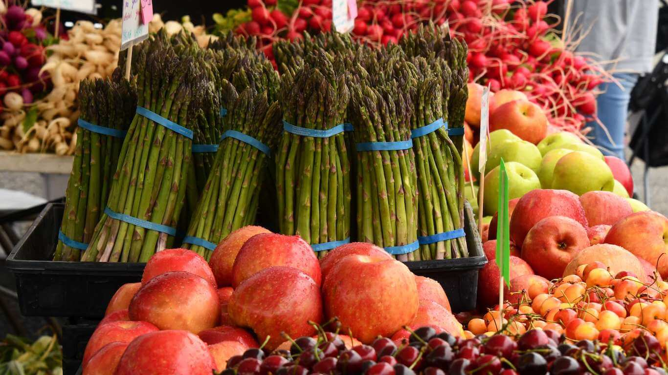 national fruit and veggies month - picture of fresh produce